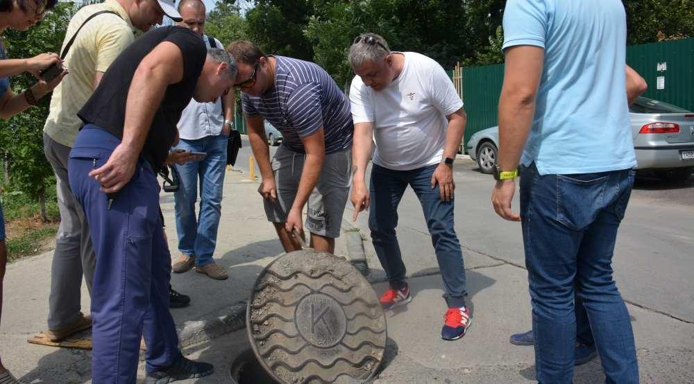 Жилой район в Новороссийске топит канализация