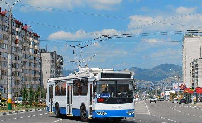 В Новороссийске троллейбусными линиями закольцуют два проспекта
