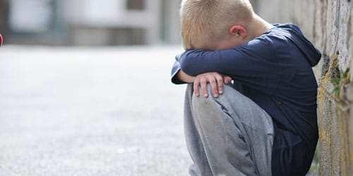 ВНовороссийске женщина передумала быть матерью ибросила двух детей-школьников