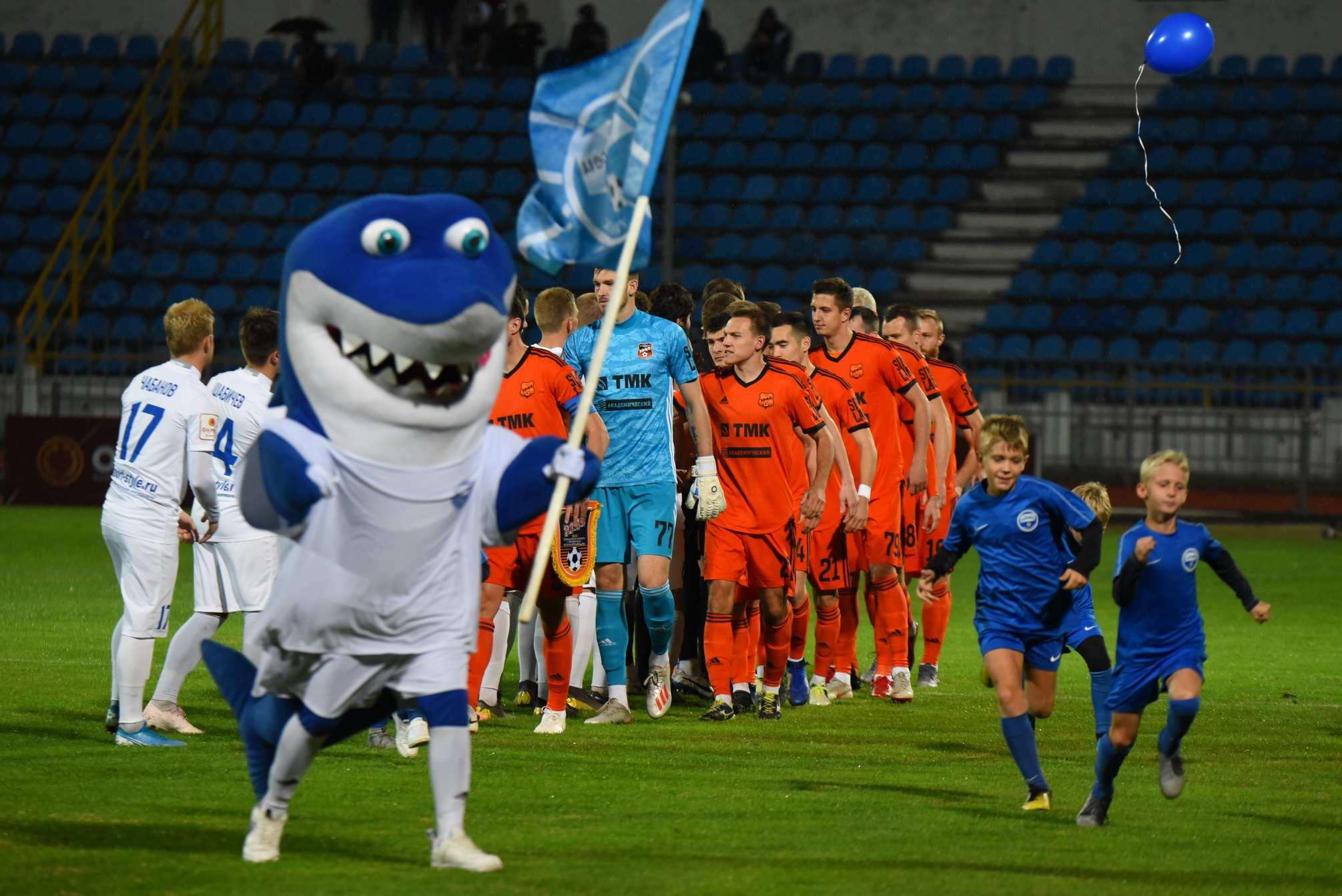 В Новороссийске началась продажа билетов на футбол