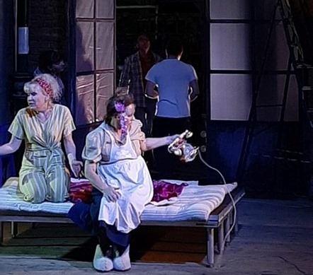 В Новороссийске театральная премьера про ожидание любви