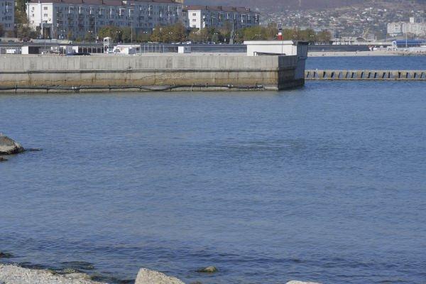 В Новороссийске нашли незаконную врезку, по которой шли сбросы в море