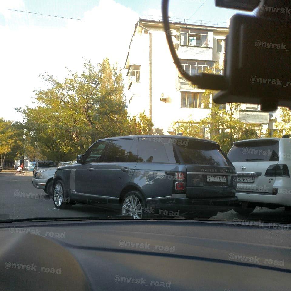 ВНовороссийске школьницу сбил водитель джипа