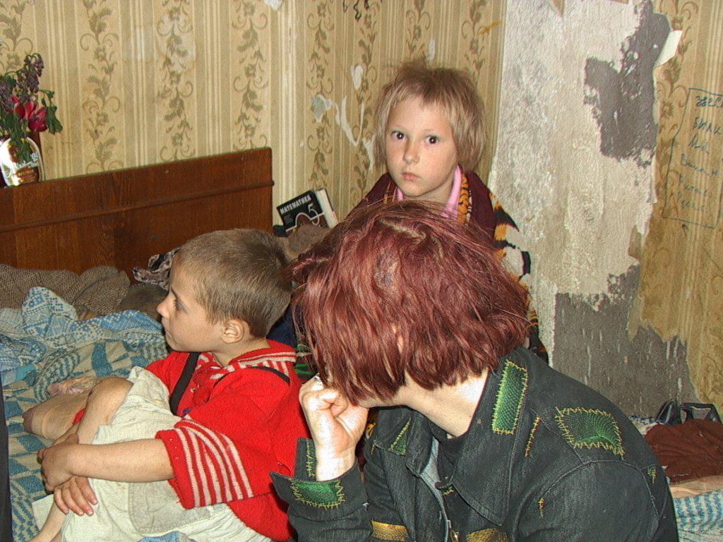 В Новороссийске у пьющих родителей стали забирать детей