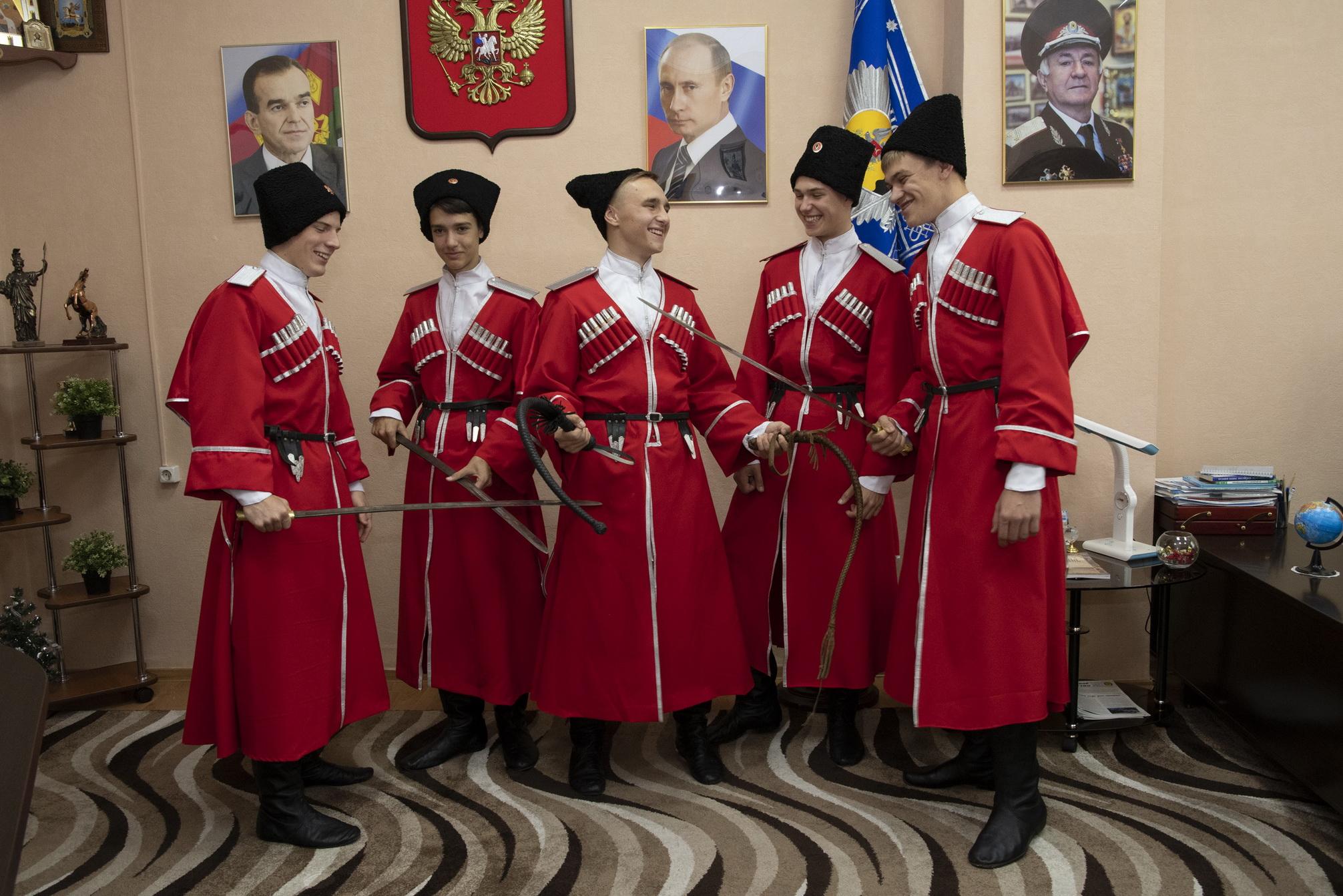 С Новороссийским казачьим кадетским корпусом нет смысла бороться