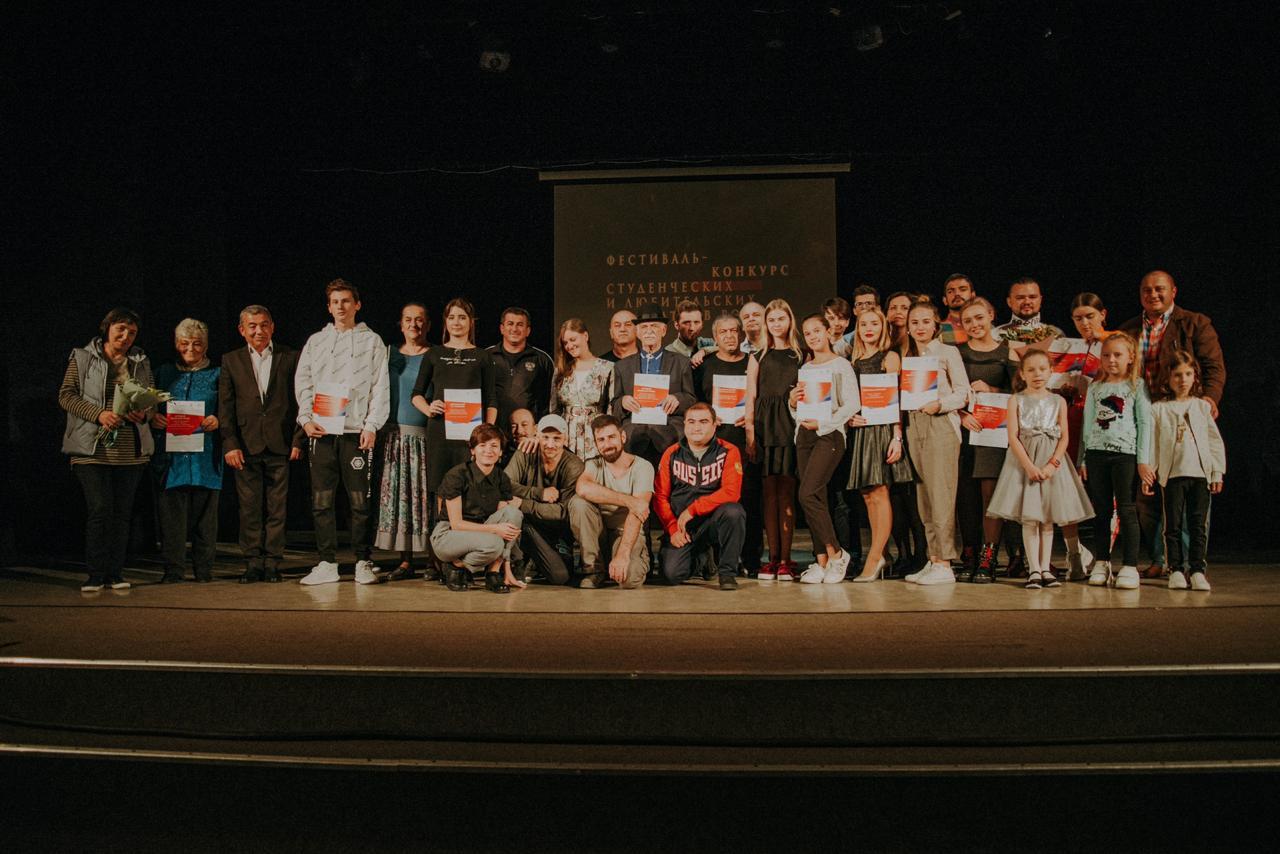 Новороссийские актеры получили подарок в День театра – обещание построить новое здание