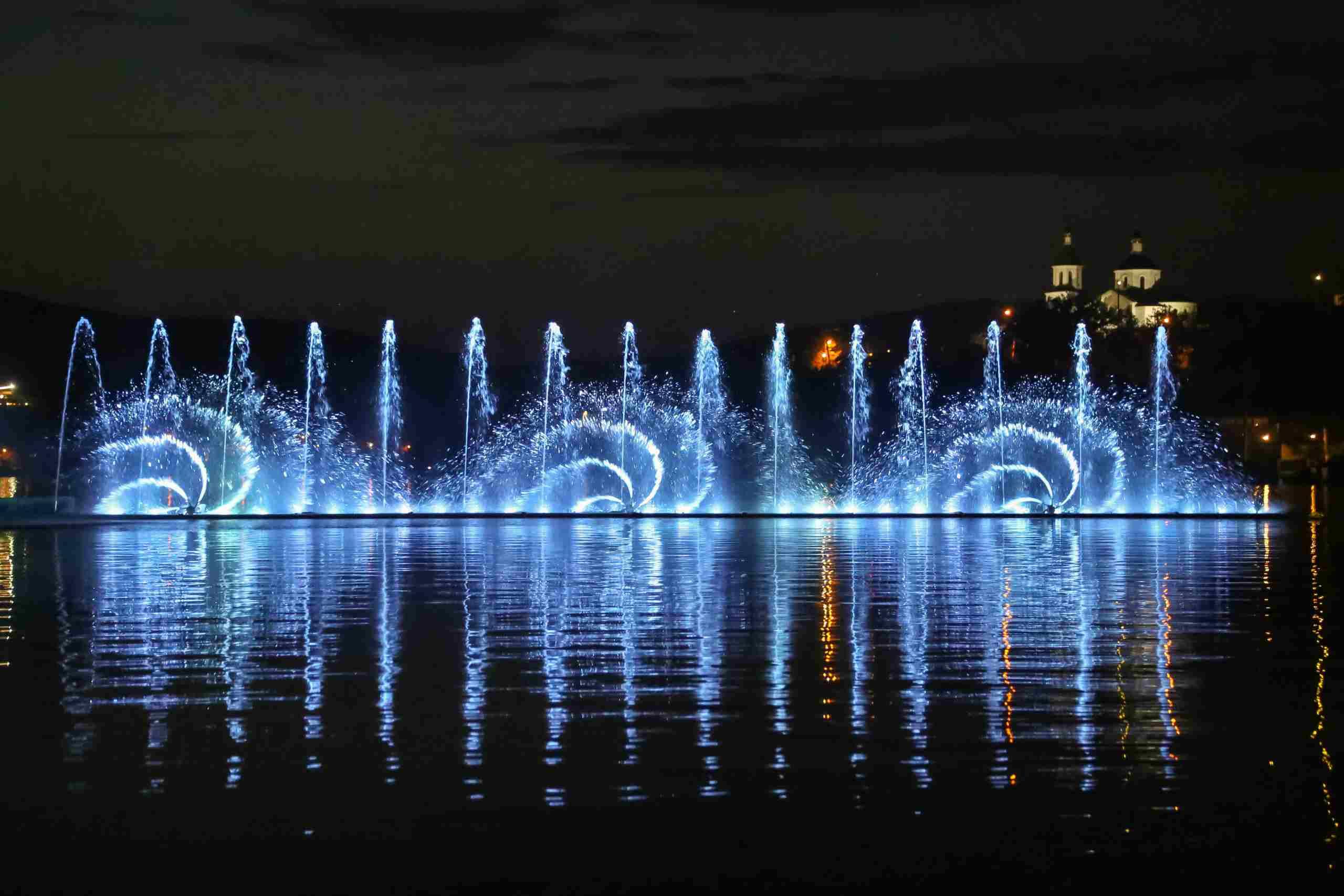 Под Новороссийском завершают работу поющие фонтаны