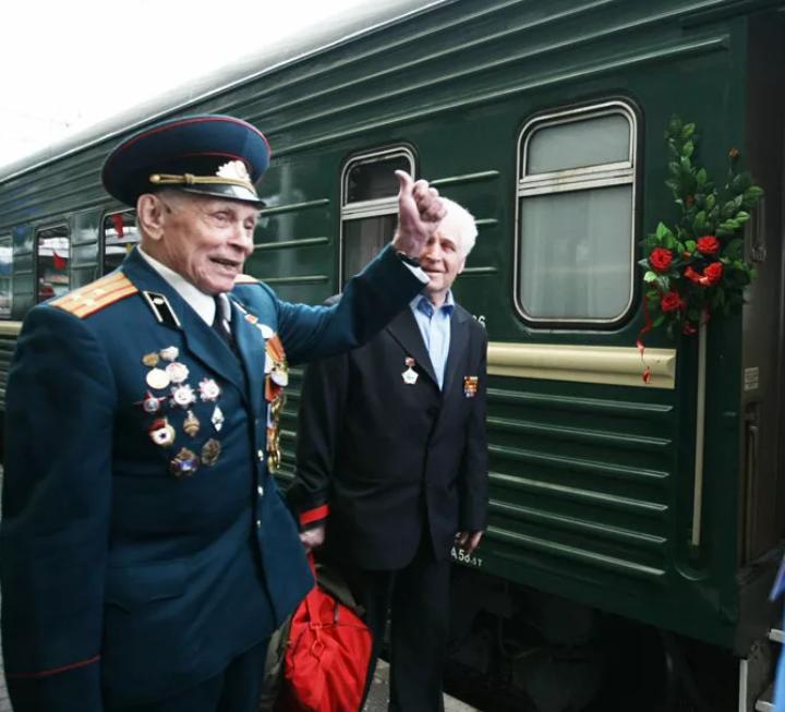 Новороссийские участники войны с нового года в поездах ездят бесплатно