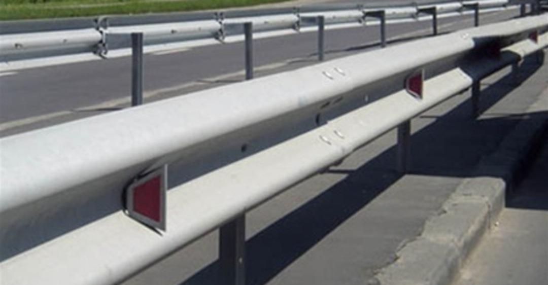 Дороги на Кубани станут безопаснее: появятся барьерные ограждения и освещение