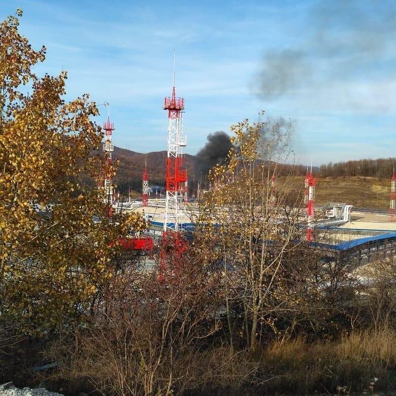 В Новороссийске на нефтебазе «Грушовая» произошел пожар