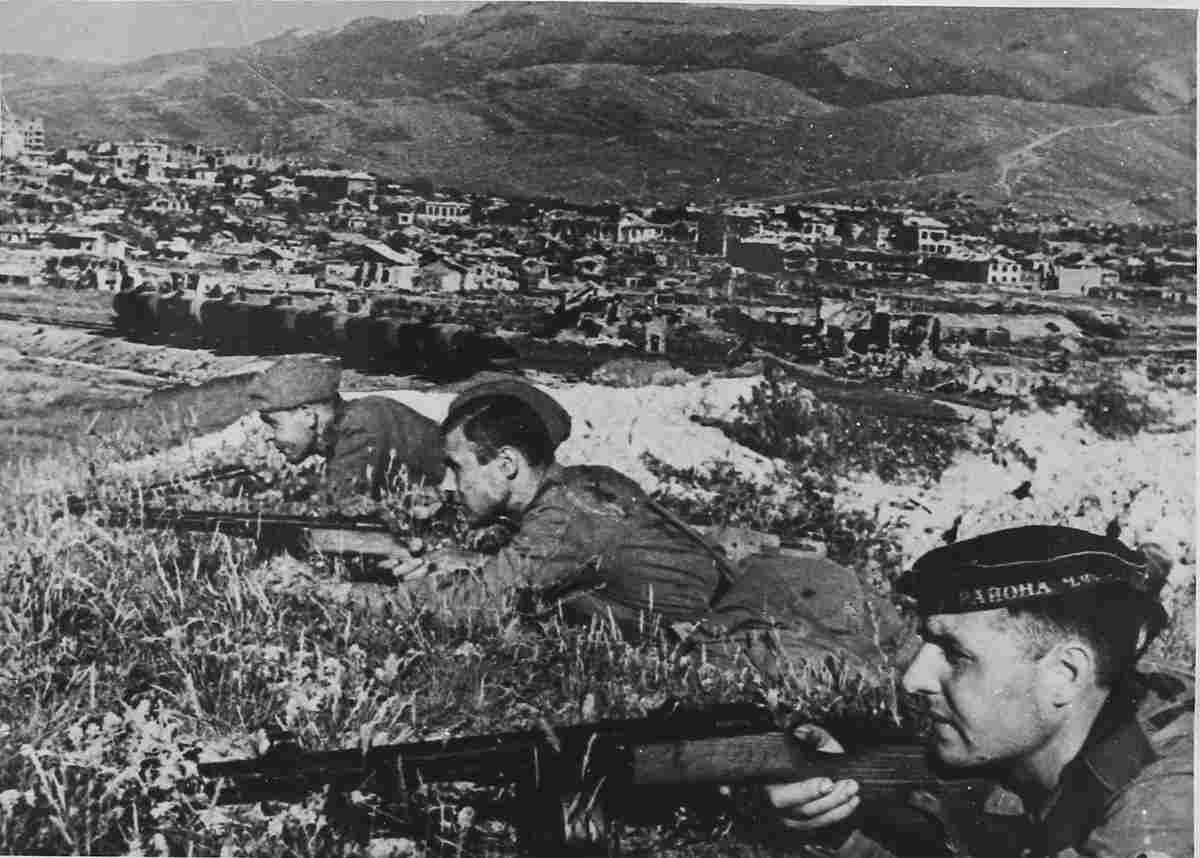 К 75-летию Великой Победы: жена новороссийского поэта в числе первых искала труп Гитлера