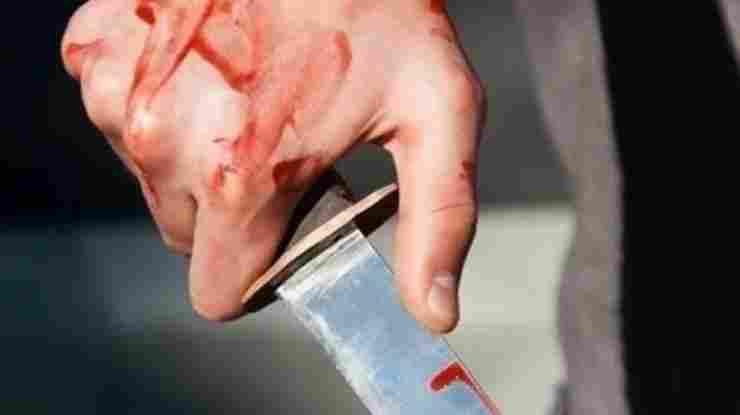 В Новороссийске электрик, истекая кровью, передал преступника полиции