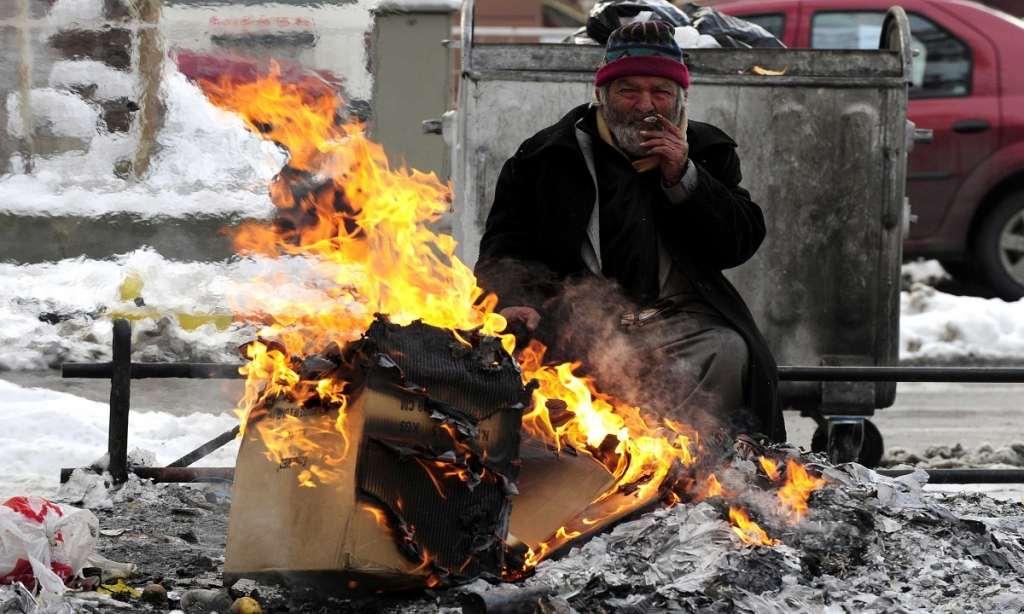 В Новороссийске мерзнут бомжи. Начались пожары