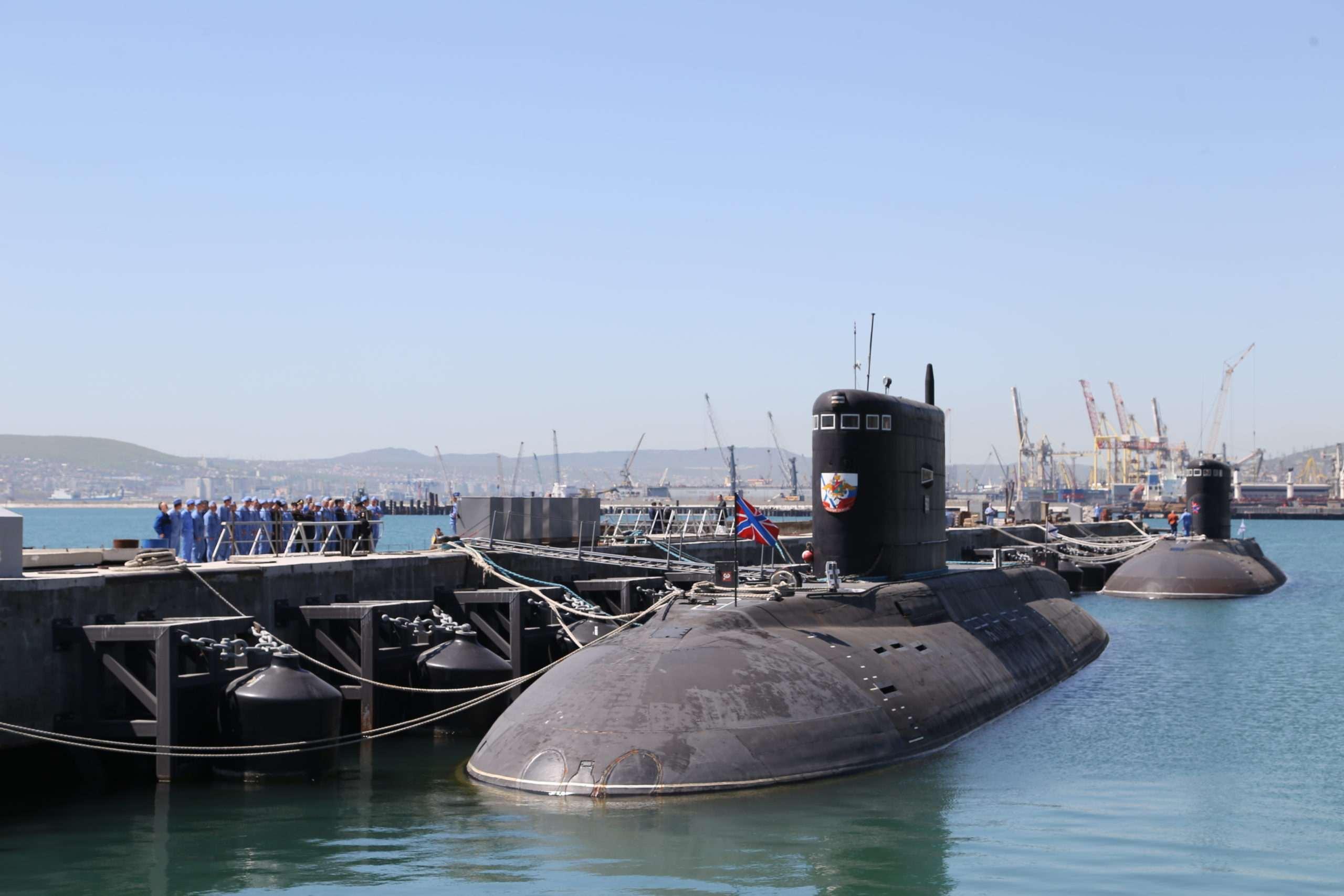 Новороссийские подлодки охотились на субмарину «противника»