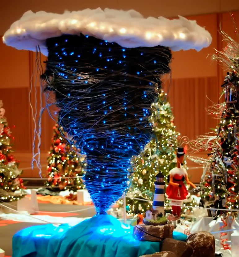 Новороссийцы покажут самые креативные елки