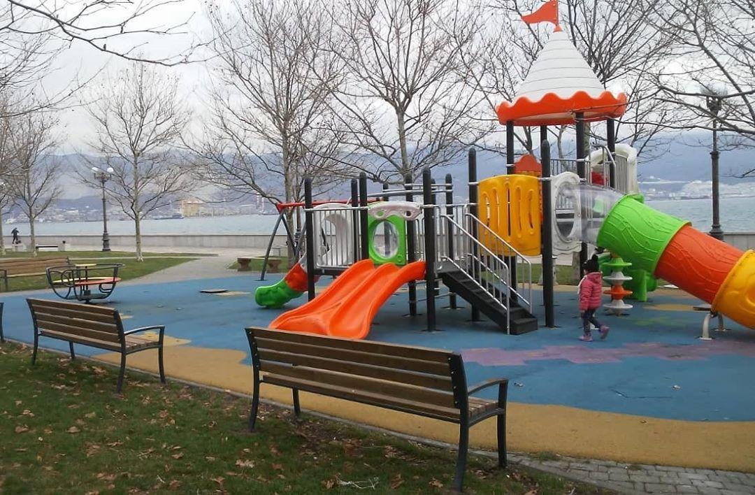 В Новороссийске установили 22 детские площадки и утвердили список на будущее (есть адреса)
