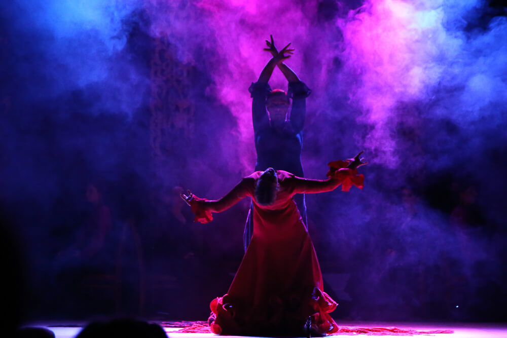 Танцы и песни народов мира зазвучат на сцене гортеатра Новороссийска