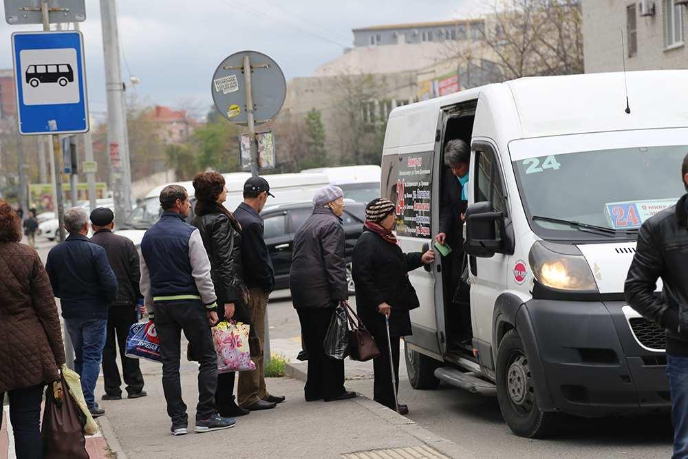 В Новороссийске перестали жаловаться на водителей маршруток