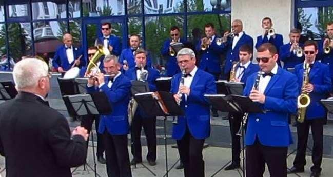 Новороссийский духовой оркестр дает отчетный концерт
