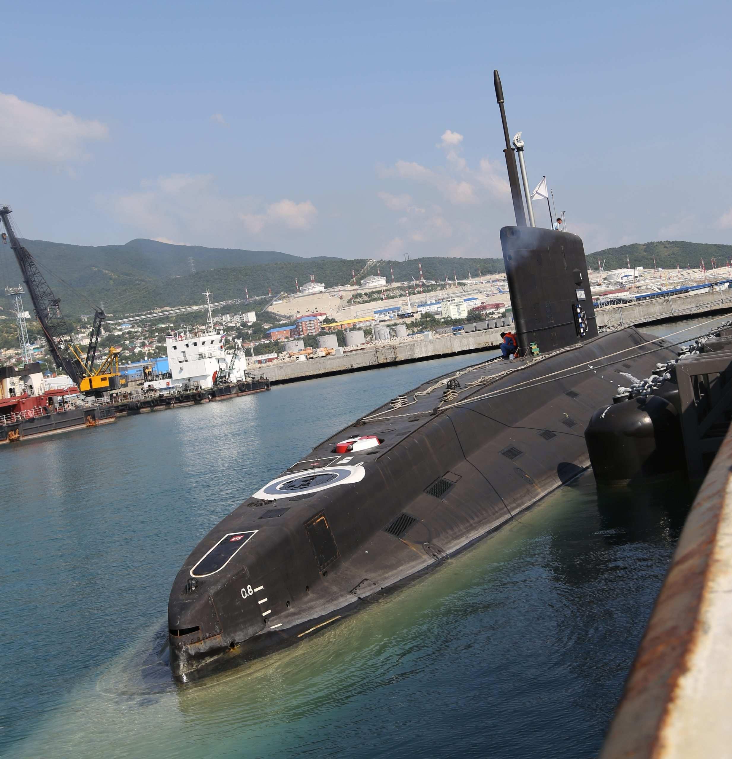 Новороссийская подводная лодка отправилась на ремонт