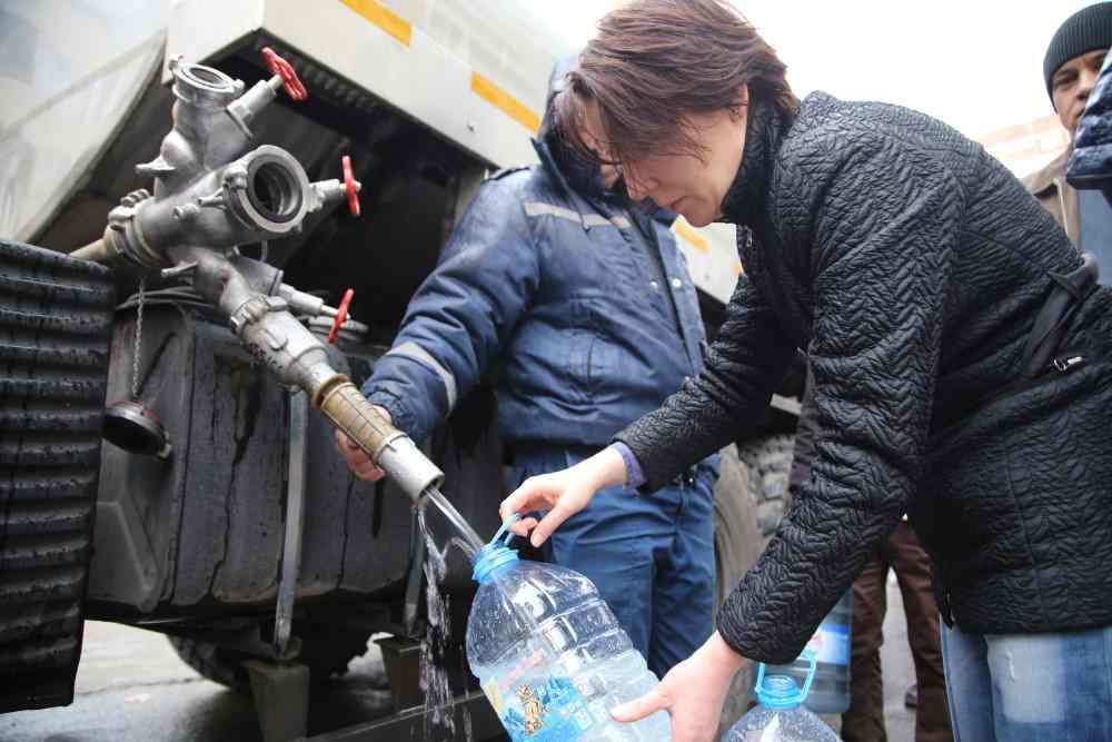 Воду в Новороссийск могут дать завтра утром
