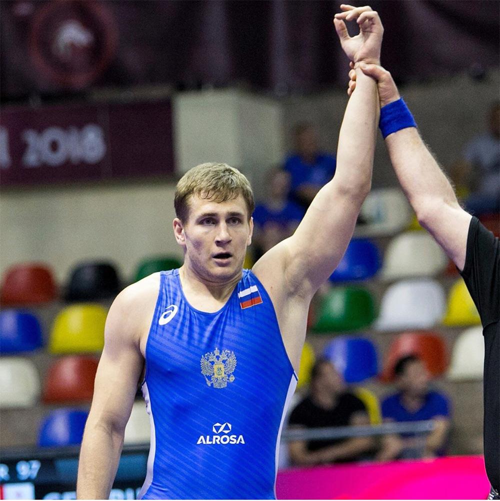 Новороссиец взял золото чемпионата России по греко-римской борьбе