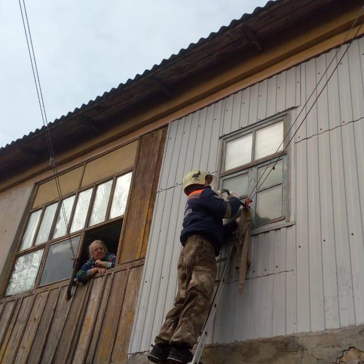 Новороссийские спасатели помогли пожилой женщине сохранить жизнь