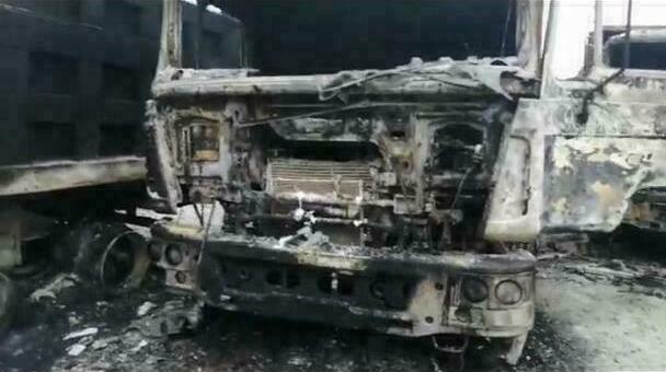 Под Новороссийском сгорело пять грузовиков. Главная версия— поджог