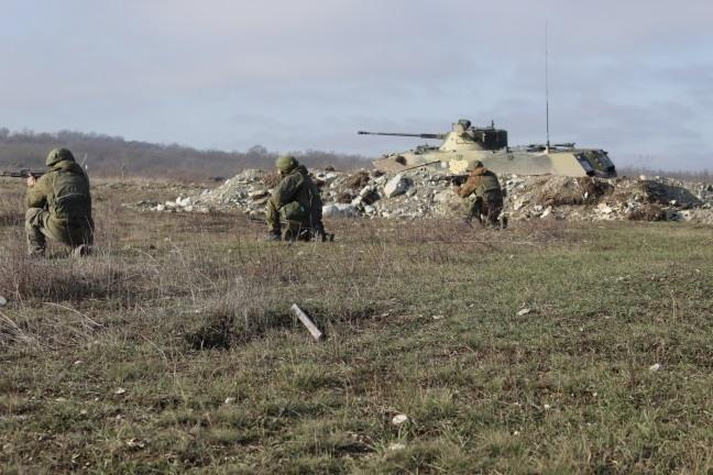 В Новороссийске десантники-казаки взялись за оружие