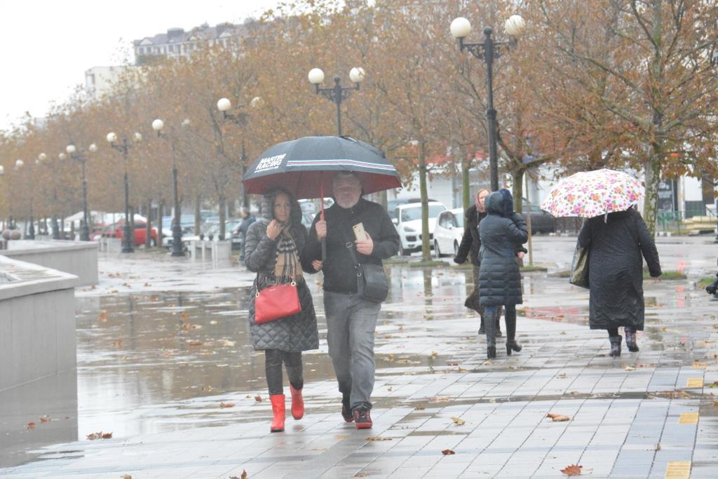 Погода в Новороссийске: не забудьте взять зонтик