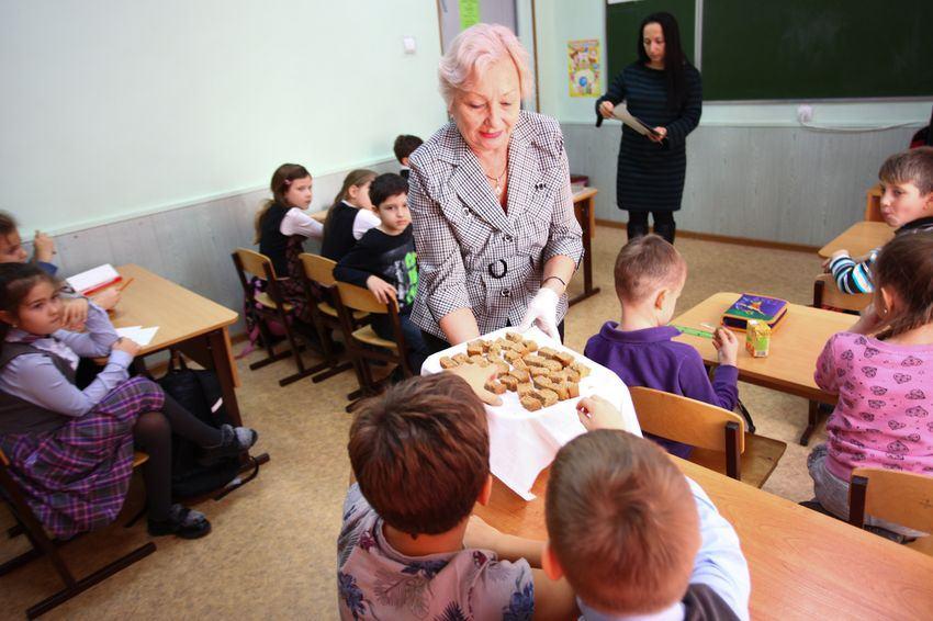 В Новороссийске раздали по 125 граммов хлеба