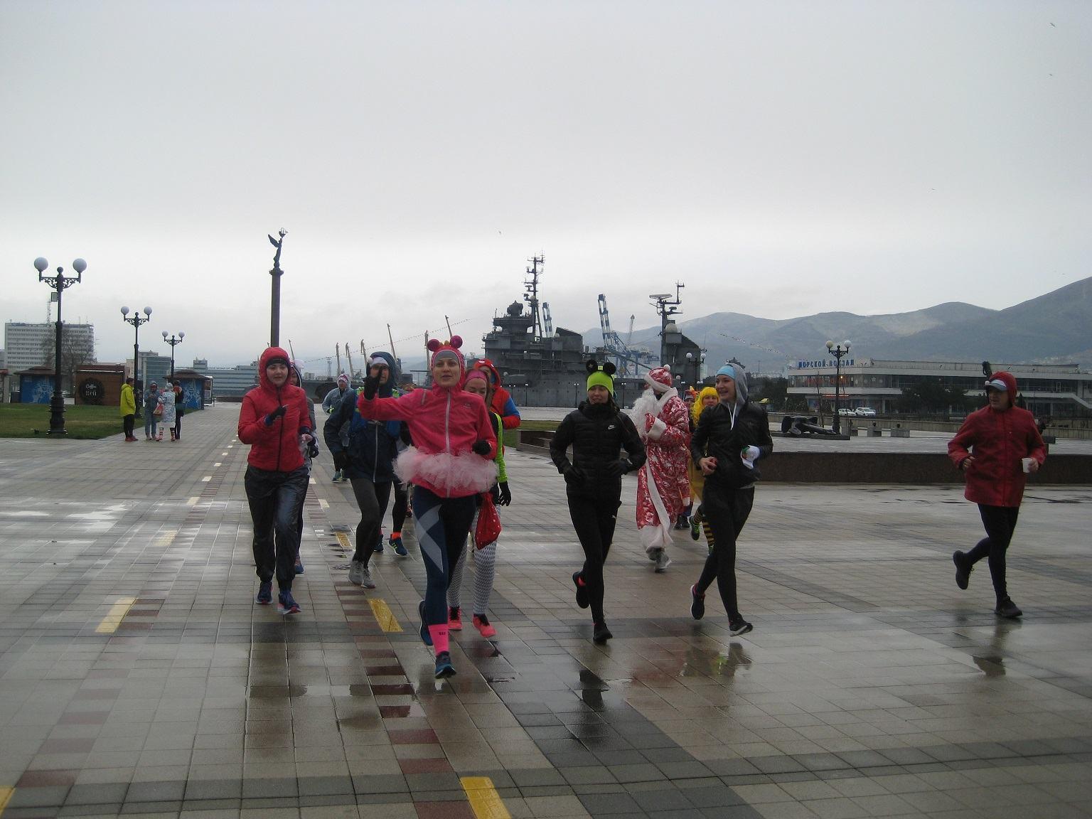 Трезвые новороссийцы встретили новый год пробежкой