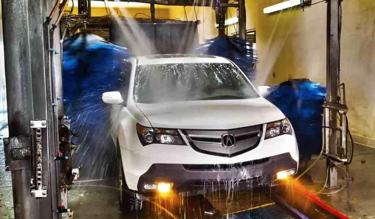 Автомойки Новороссийска украли воды почти на 3,5 миллиона рублей