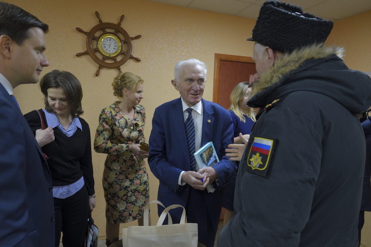 Лауреат нобелевской премии привез в Новороссийск поздравление от Шойгу