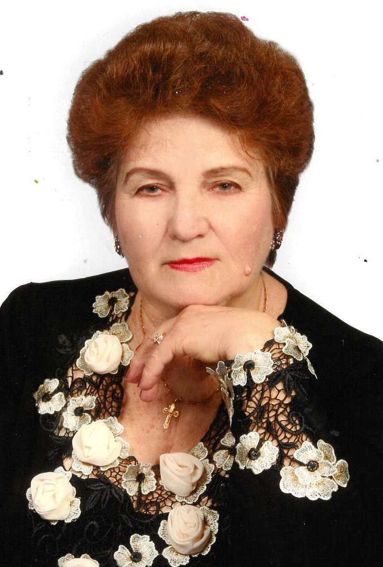 Новороссийская поэтесса поделится цветами любви
