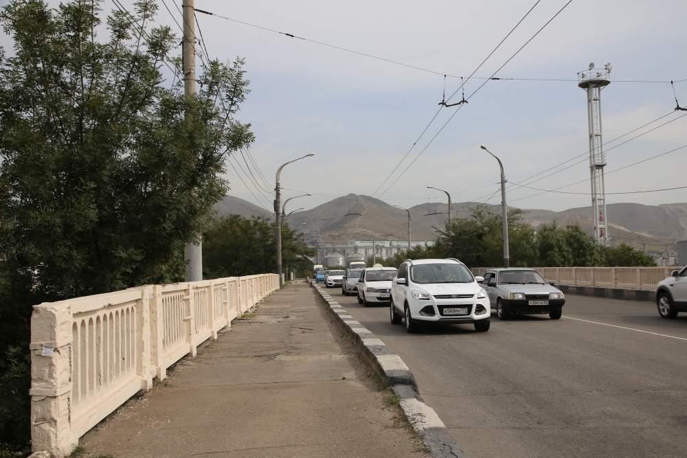 В Новороссийске реконструируют мосты на Магистральной в ходе строительства большой дороги в порт