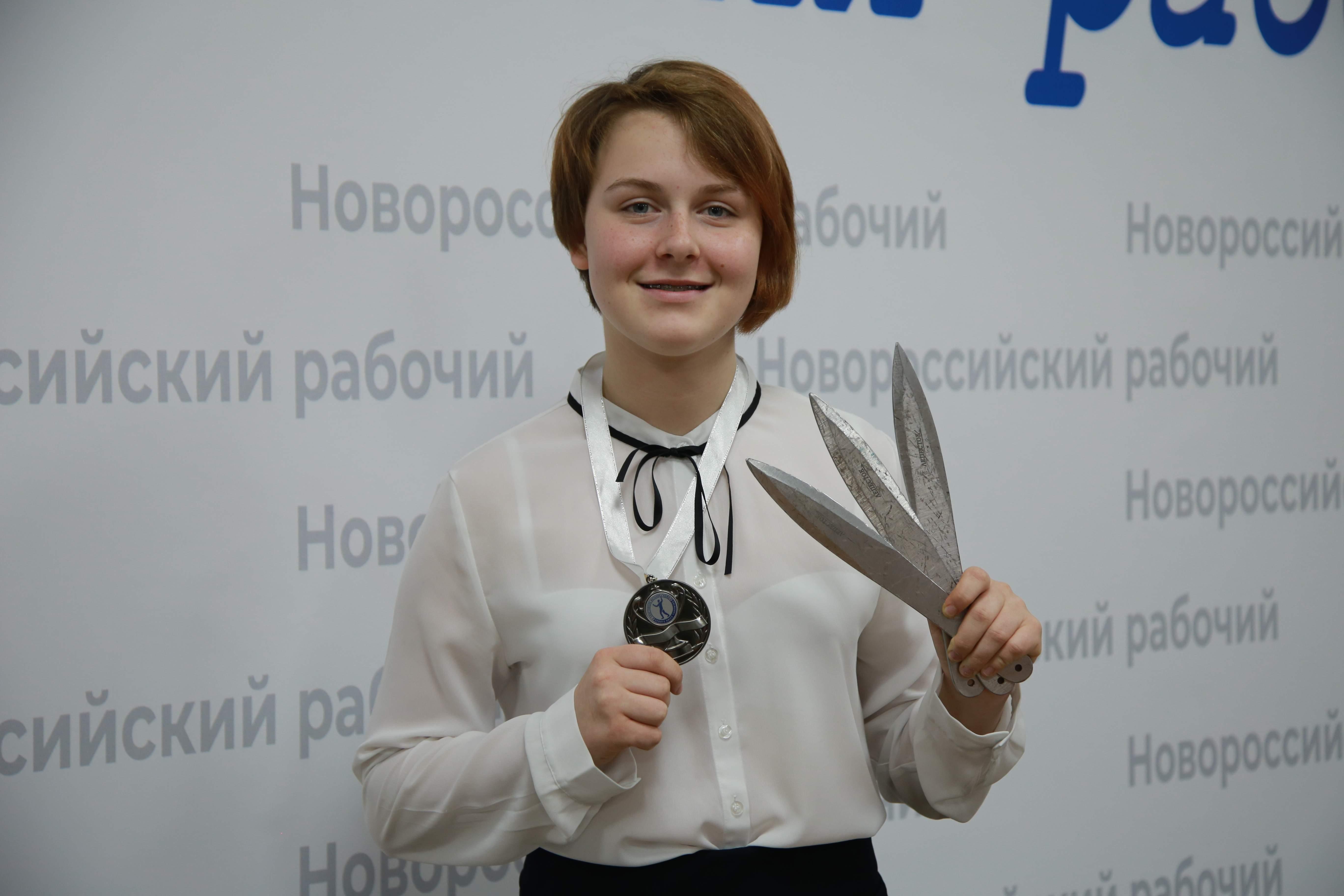 На первенстве мира по метанию ножей серебро взяла девочка из Новороссийска