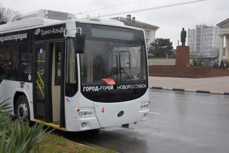 По улицам Новороссийска поедет «безопасный троллейбус», украшенный детскими рисунками