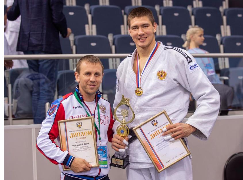 Денис Ружицкий — один из лучших тренеров Новороссийска — о достижении целей, спорте и ЗОЖ