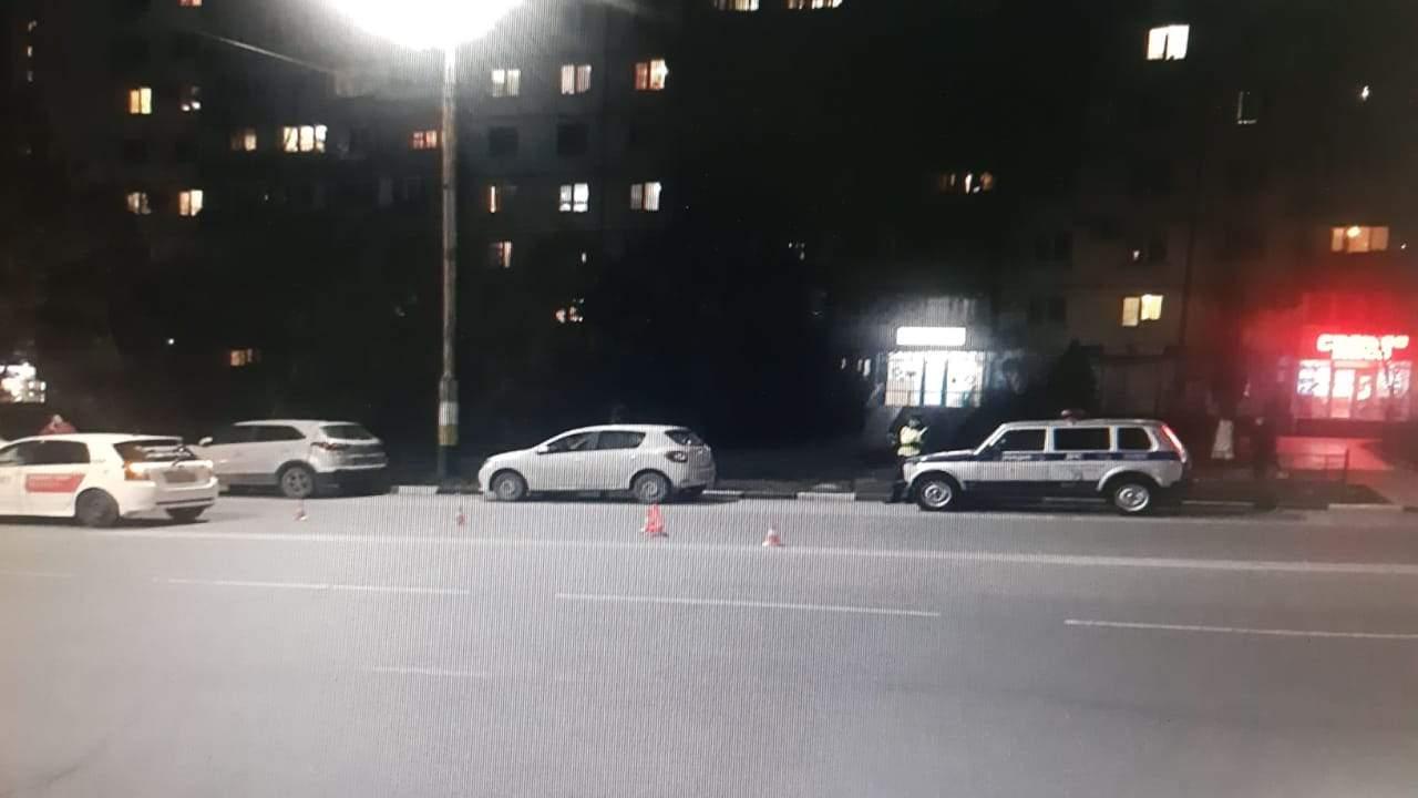 «Она очень долго лежала наасфальте»: очевидцы рассказывают, что вНовороссийске сбили девушку