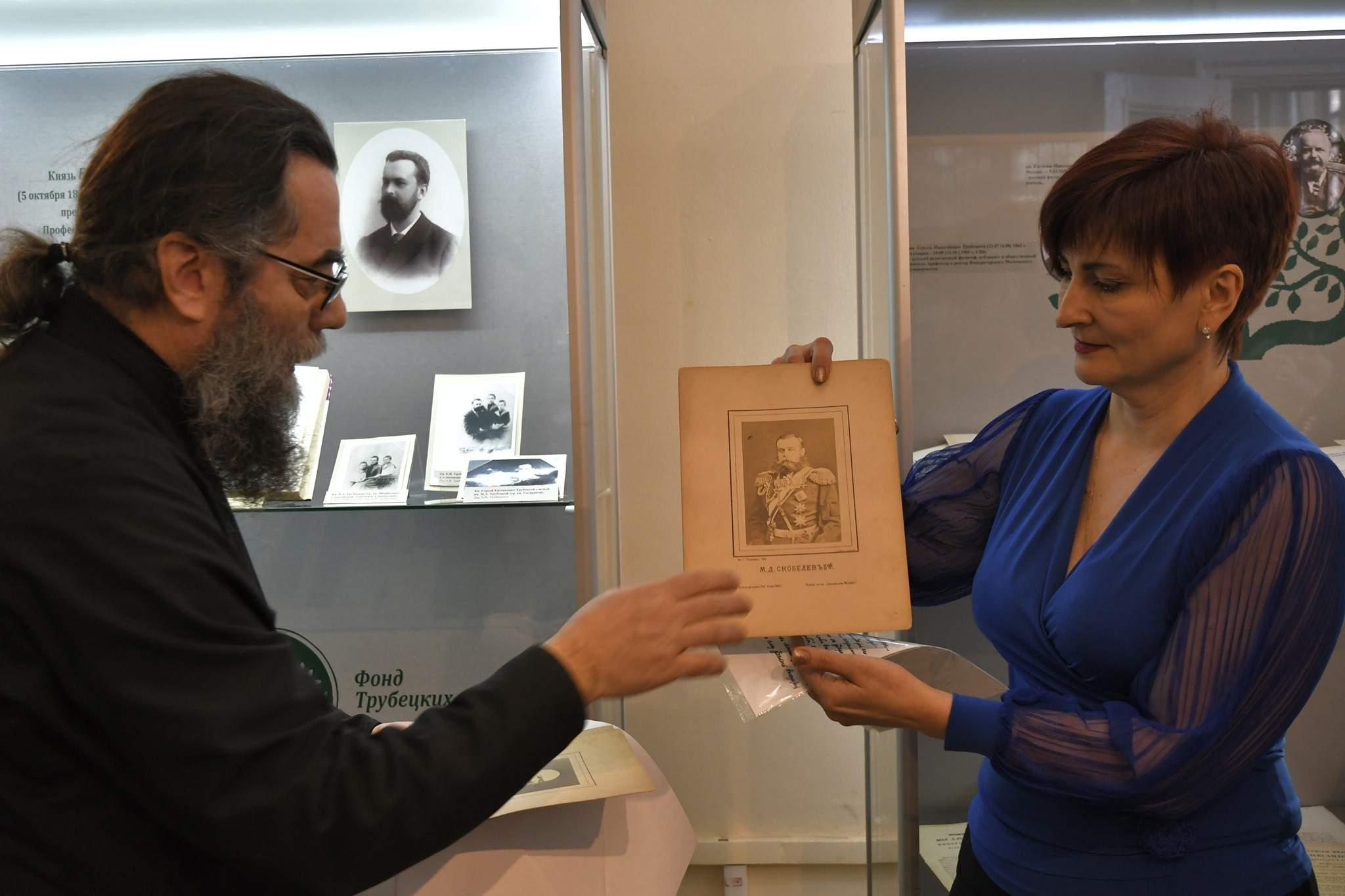 В Новороссийске музейные фонды пополнились фотографиями XIX века