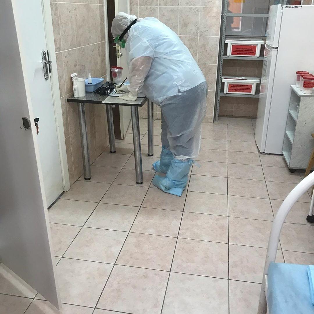 Мужчина с коронавирусом возмущен тем,что его не отпускают из инфекционной больницы  Новороссийска