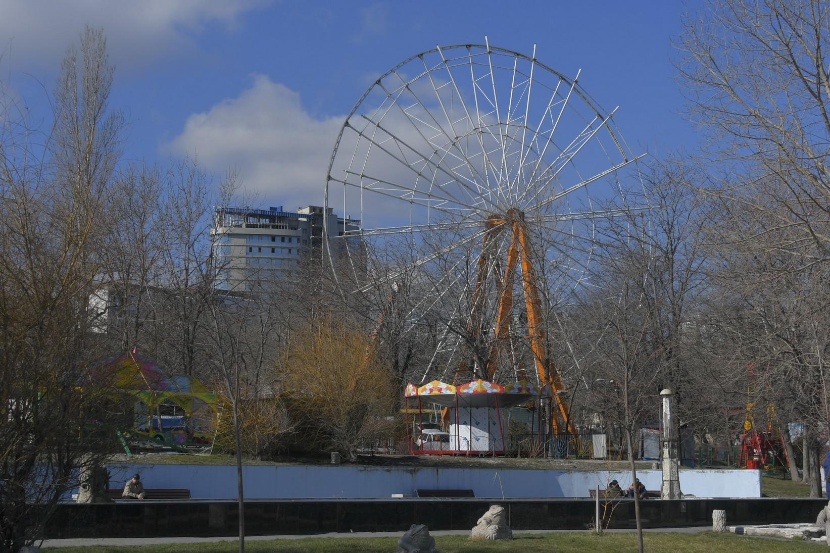 ВНовороссийске разбирают колесо обозрения, чтобы поставить новое?
