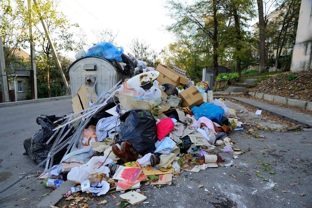 Депутаты Новороссийска против регоператора по вывозу мусора: вопросы есть, ответа — нет