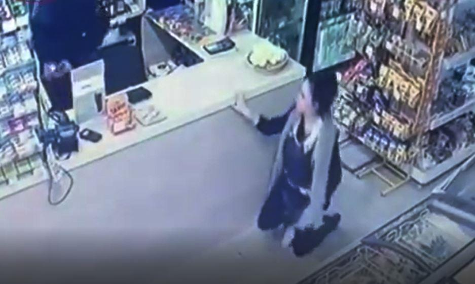 В Новороссийске ночью двое ограбили круглосуточный магазин