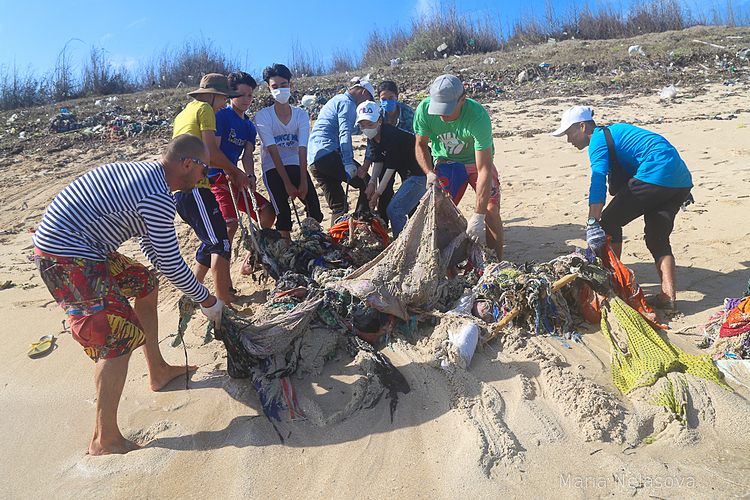 National Geographic написало про новороссийца, который спасал от мусора вьетнамские пляжи