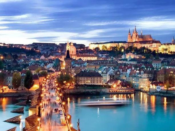 Коронавирус COVID-19 в мире: как карантин парализовал Чехию