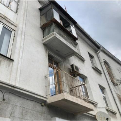 ВНовороссийске через суд заставили управляющую компанию восстановить балконы
