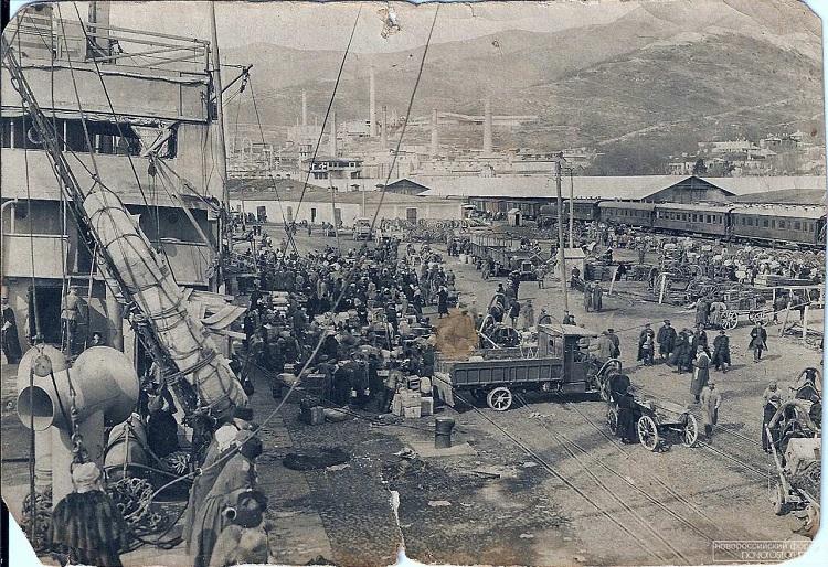 История Новороссийска: 100 лет назад на берегах Цемесской бухты похоронили царскую Россию
