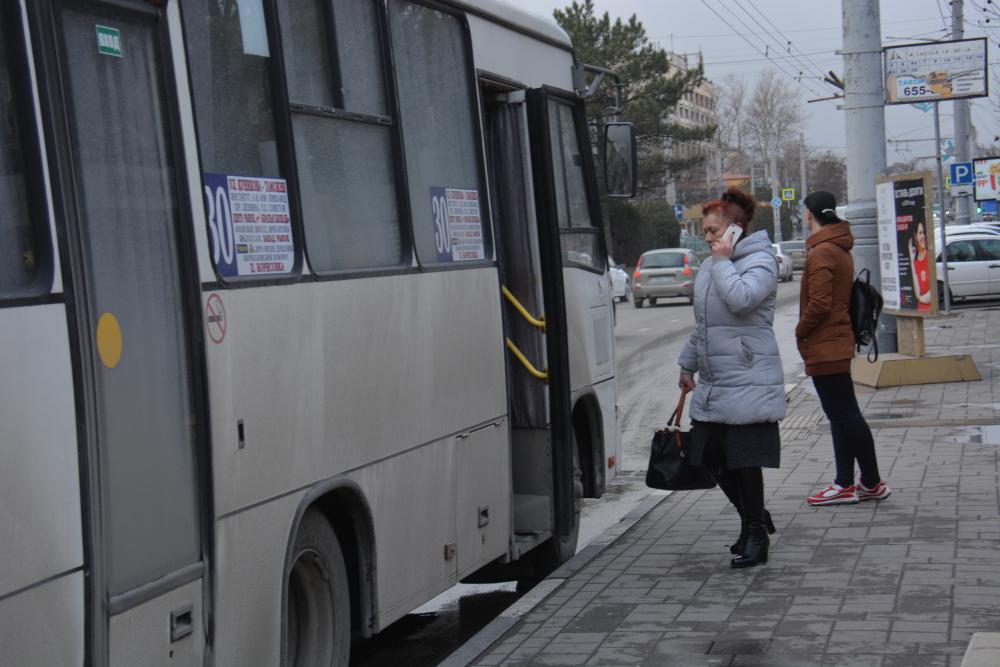Новороссийским водителям маршруток надо заново учиться ездить